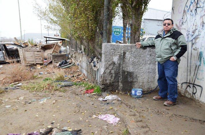 Francisco Delgado encontró el cráneo en el paredón de la empresa Soxi.