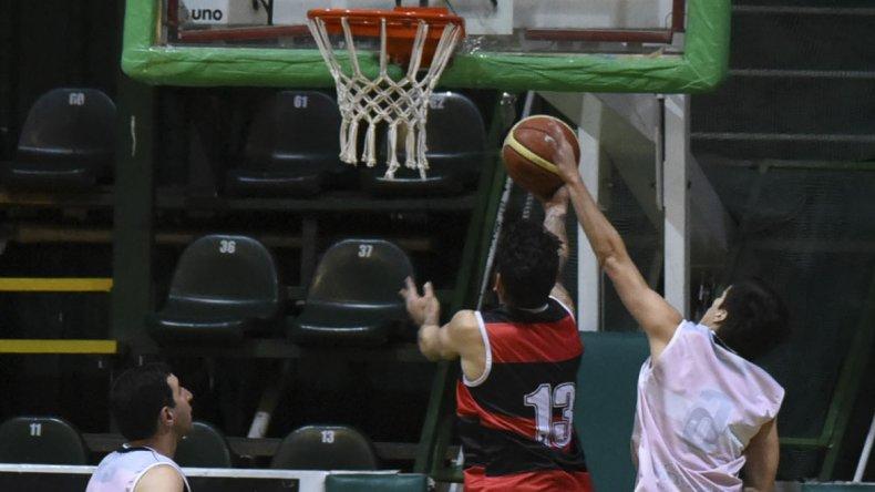 El básquetbol local seguirá esta noche con la disputa del torneo Apertura.