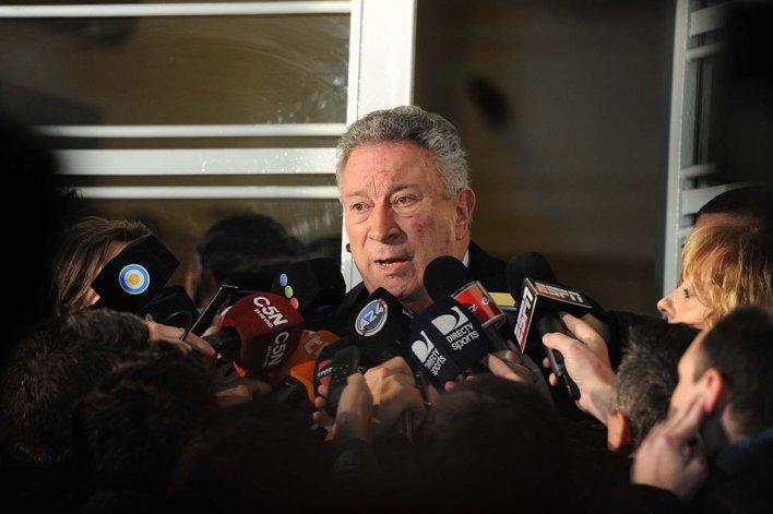 Luis Segura aseguró que no renunciará como presidente de la AFA.