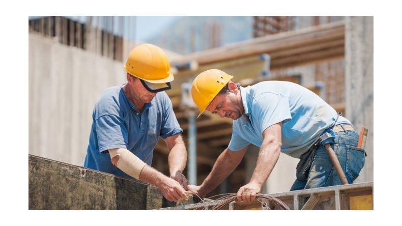 La construcción cayó un 24,1% en abril en comparación con 2015