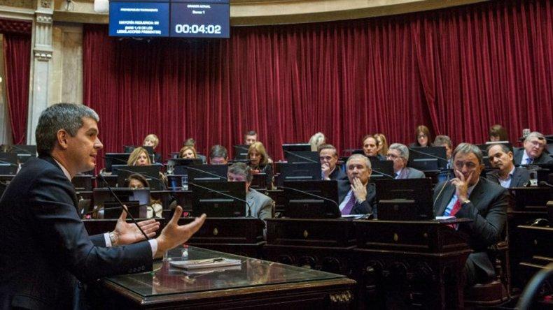 Peña brindó su informe de gestión en Senadores.