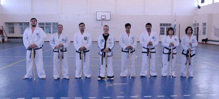 Carlos Gómez –cuarto desde la izquierda– capacitó a profesores de TKD-AITF