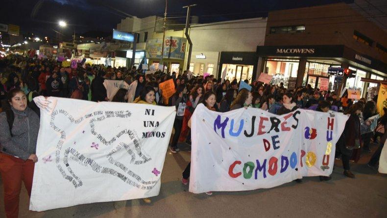 Con gran participación de jóvenes se realizó la marcha en Comodoro