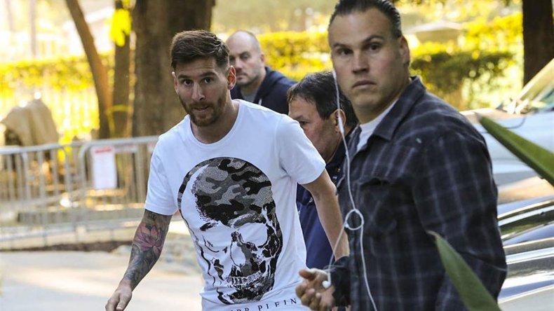 Lionel Messi en su llegada a suelo californiano.