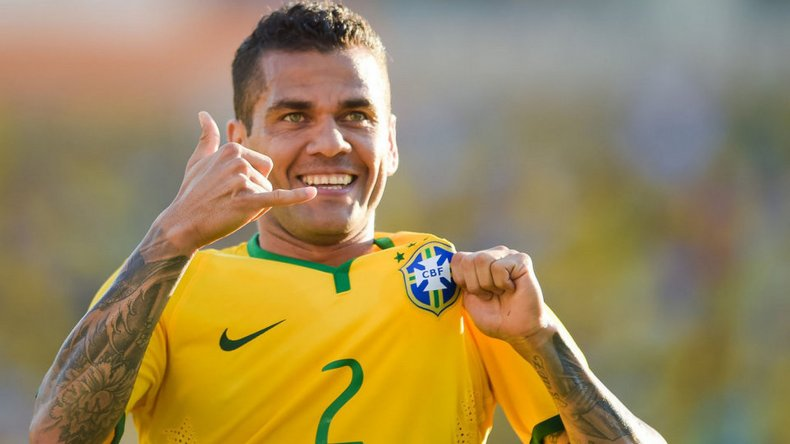 Dani Alves es el experimentado defensor que tiene la selección de Brasil.