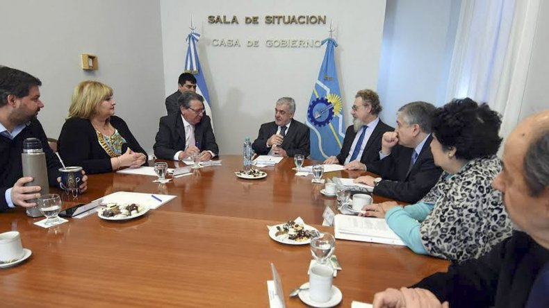 El gobernador Mario Das Neves comprometió a legisladores nacionales a trabajar en una agenda común.