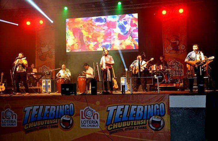 El grupo folklórico comodorense La Juerga cerrará el sorteo del Telebingo Extraordinario en Sarmiento.