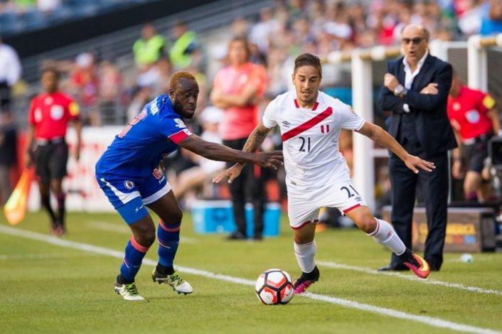 Perú con muy poco derrotó a Haití
