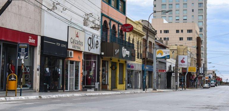 Los comerciantes abrirán sus puertas el viernes feriado para recuperar las ventas