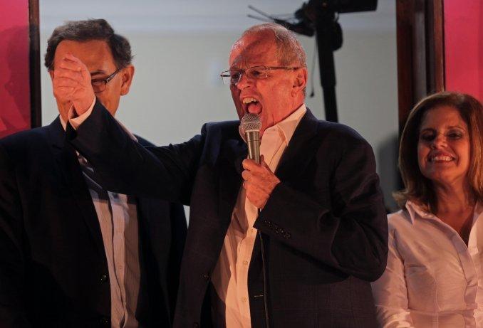 Con casi el 90% de las mesas escrutadas, Kuczynski saca ventaja en Perú
