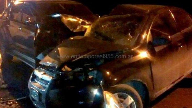 Falleció al chocar  el auto que conducía contra una camioneta
