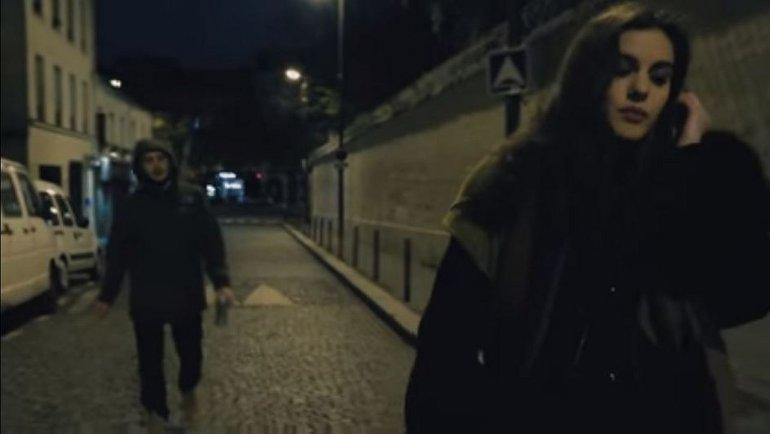 Al final de la calle: el corto que busca reflejar el miedo de volver sola a casa