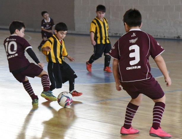 Los chicos completaron un nuevo fin de semana con cuarenta partidos en la sede de la CAI.