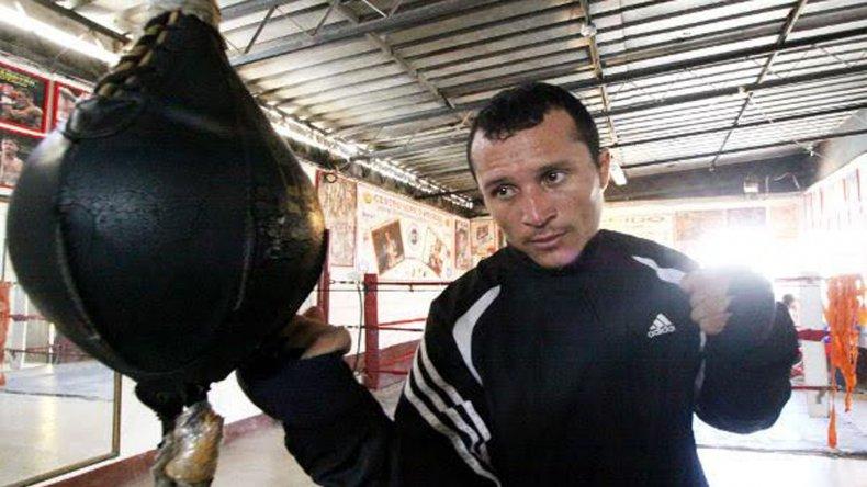En trelew se palpita una nueva noche de boxeo for Gimnasio narvaez