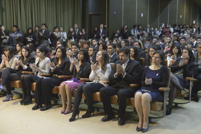 La sede Comodoro Rivadavia de la Universidad Nacional de la Patagonia San Juan Bosco realiza dos actos de colación de grado por año.
