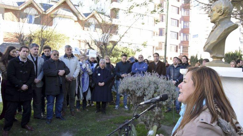 Los periodistas celebraron su día reivindicando los derechos laborales y pidiendo por la construcción de la sede.