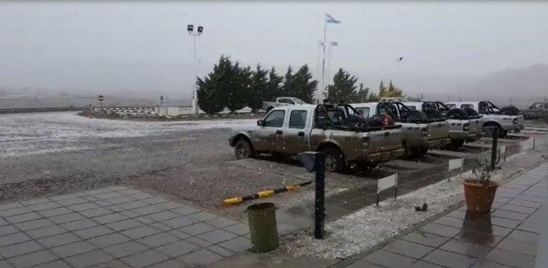 Frío en Comodoro, nieve en Cerro Dragón