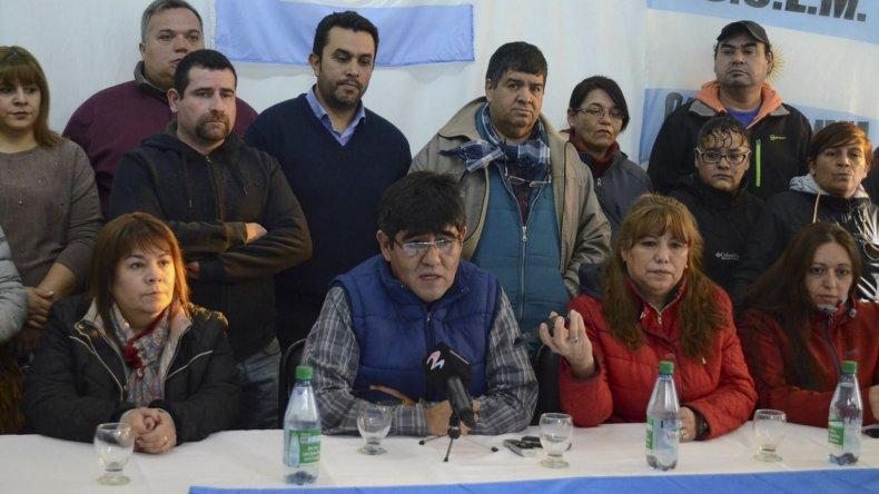 Miembros de comisión directiva y del cuerpo de delegados del SOEMCO