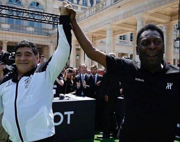 Reunión cumbre: Maradona y Pelé se encontraron en París