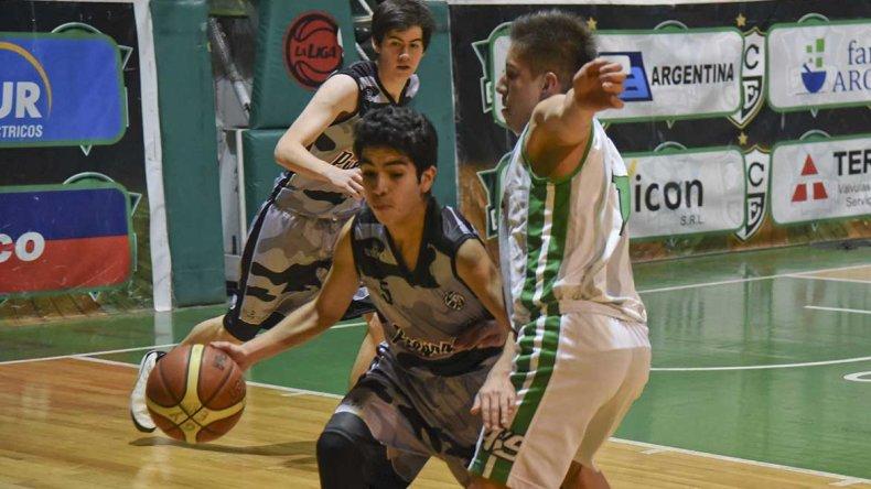 Gimnasia Blanco venció 55-33 a Escuela Municipal Pueyrredón en la categoría U17.