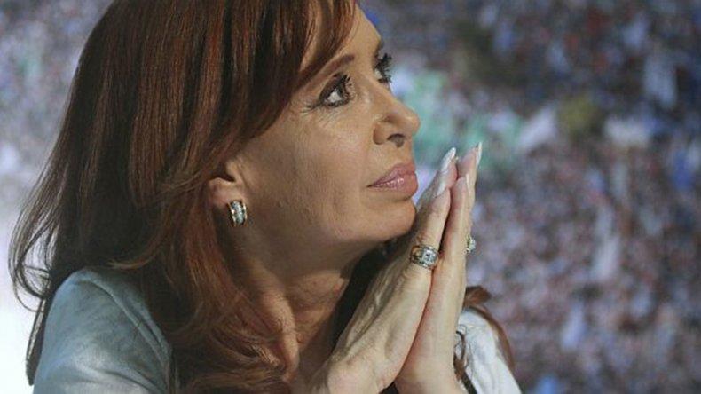 La ex presidente Cristina de Kirchner publicó un extenso texto en rechazo al proyecto ómnibus que impulsa el oficialismo.
