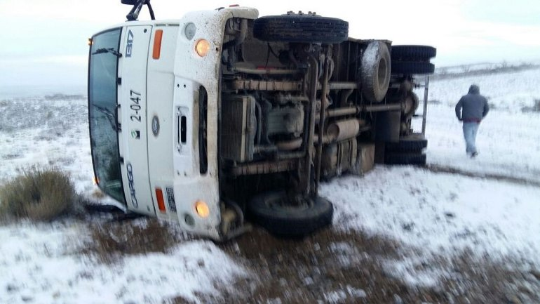 Al menos nueve accidentes en los accesos a yacimientos por la nieve y escarcha