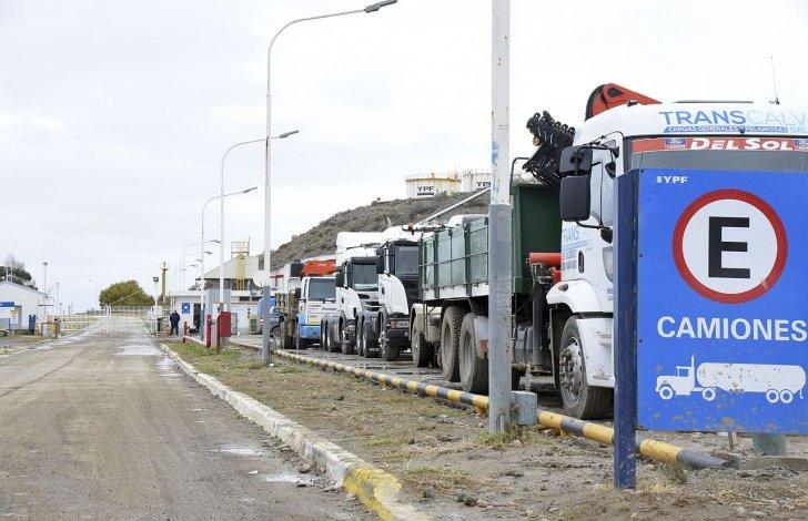 Dictaron la conciliación obligatoria pero Camioneros mantiene el paro