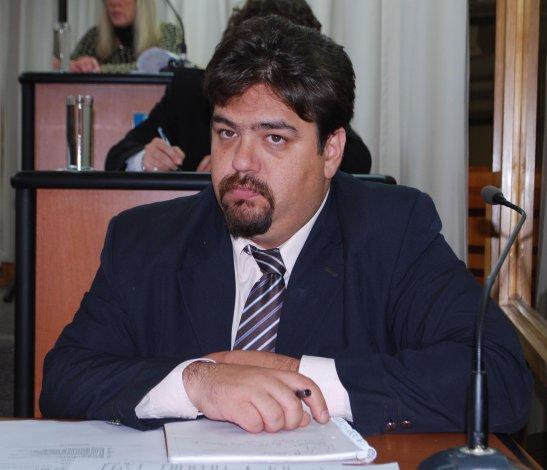 Guillermo Almirón es el impulsor del proyecto aprobado por el Concejo de Comodoro Rivadavia.