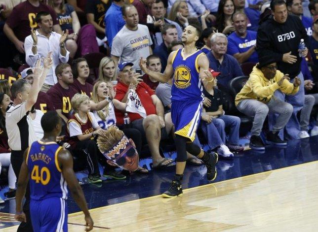 Los Warriors están a un paso de consagrarse bicampeones de la NBA