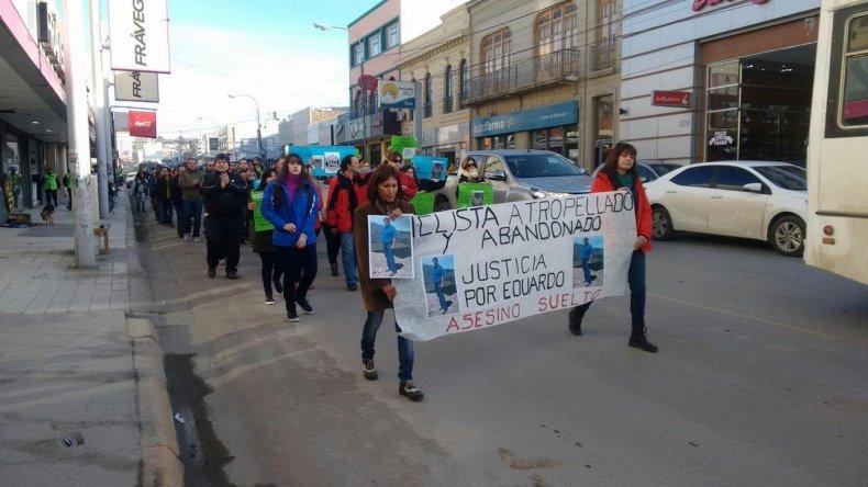 Masiva marcha en pedido de justicia por la muerte del ciclista Leguizamón