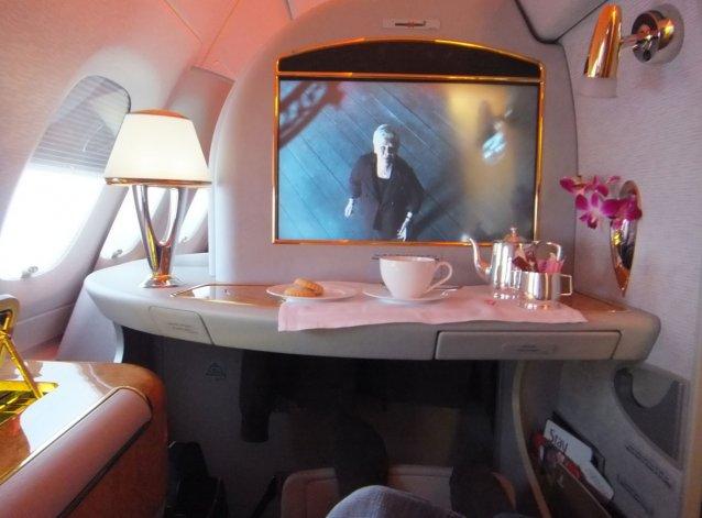 Las cabinas personales cuentan con una pantalla y toda la privacidad necesaria para pasar un agradable vuelo.