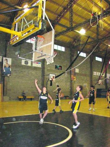 El básquetbol menor continuará con toda su programación hoy bien temprano en Rada Tilly.