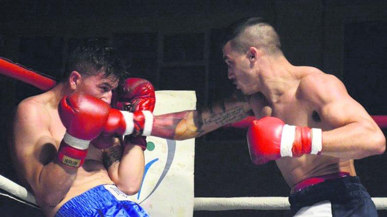 Una atractiva cartelera boxística amateur se llevó a cabo la noche del viernes en el gimnasio municipal 1.