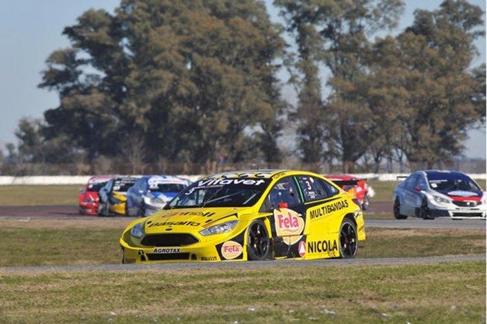 El Ford Focus de Antonino García se encamina a la victoria en La Plata.