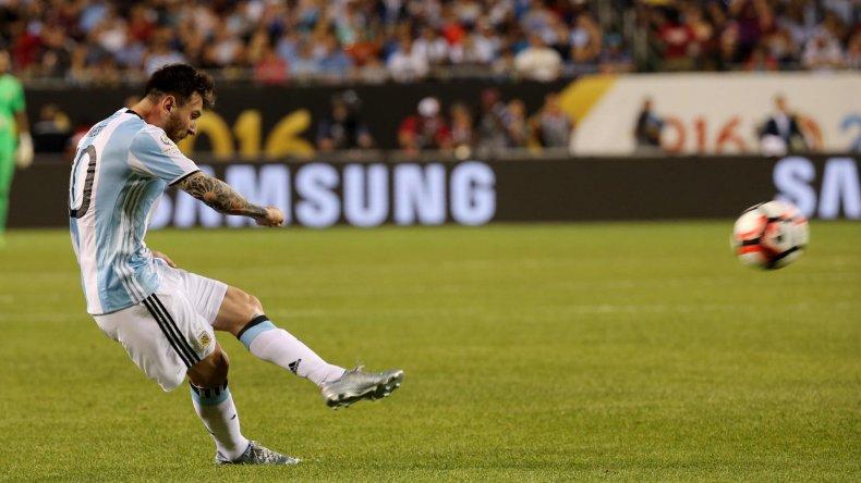 El crack Lionel Messi viene de marcarle tres goles a Panamá en la goleada de Argentina por 5-0.