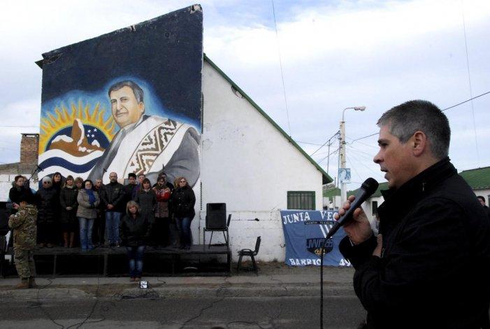 El vicegobernador Pablo González participó de la inauguración oficial del mural en homenaje al cantautor Hugo Giménez Agüero.