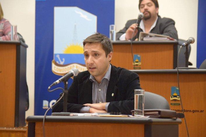 Buscan que la Municipalidad priorice empresas estatales para la provisión de bienes y servicios