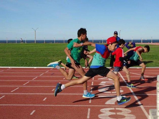 El atletismo tuvo una intensa actividad en los primeros seis meses y apuesta a seguir creciendo.