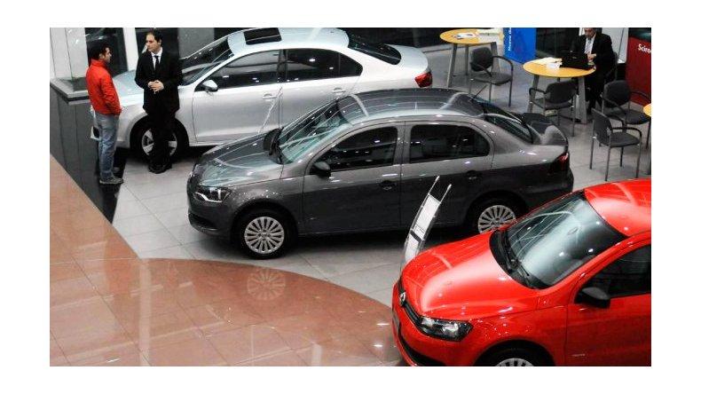 Sobran autos en Brasil y en Argentina hay 0km más baratos que en enero