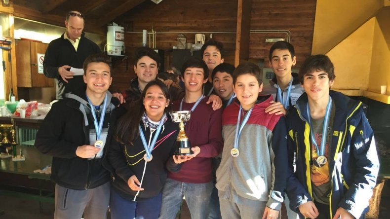 Sarmiento se consagró campeón patagónico de waterpolo
