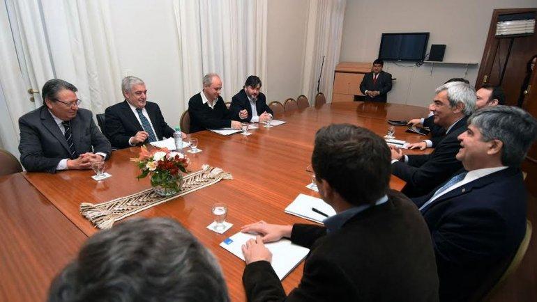 La relación de Chubut con YPF tendrá mucha transparencia
