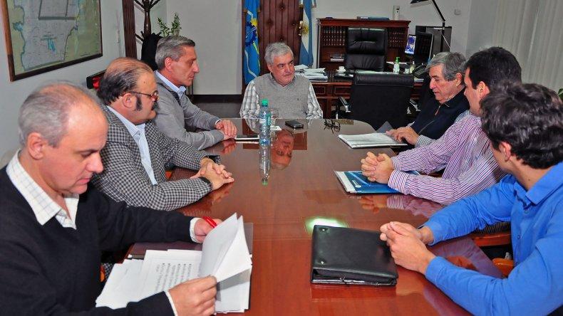 Petrominera presentó ante el gobernador su estado de situación