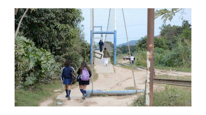 Diez alumnos golpearon y abusaron de una compañera en Salta