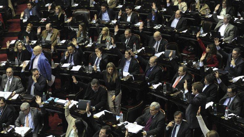 La extensa sesión en la Cámara de Diputados concluyó durante la madrugada de ayer.