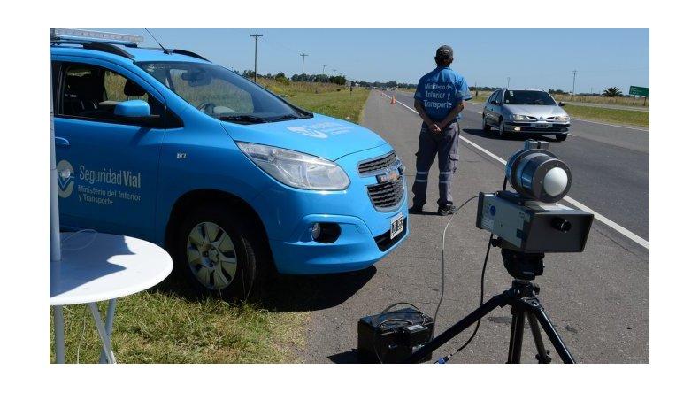 Falsos mitos sobre los radares de velocidad para que no te agarren las multas