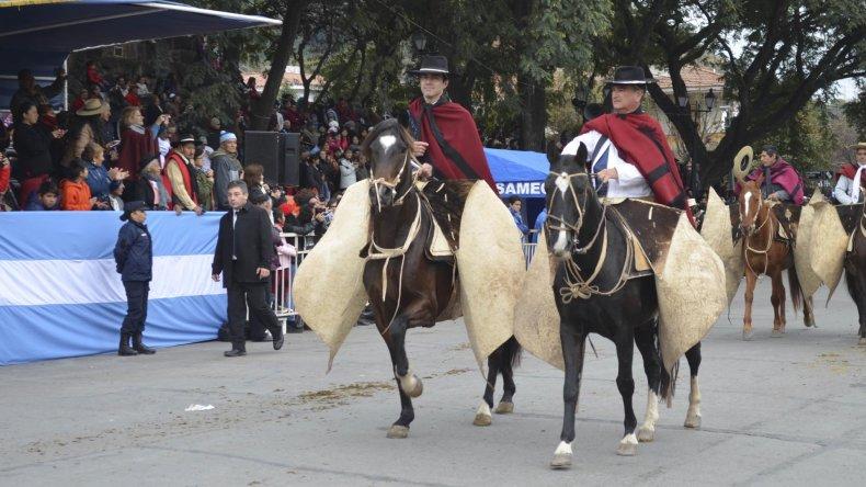 Salta recordó a Güemes con un gran desfile.