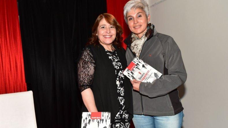 Claudia Ugarte presentó el libro de su autoría denominado Quisiera desaparecer