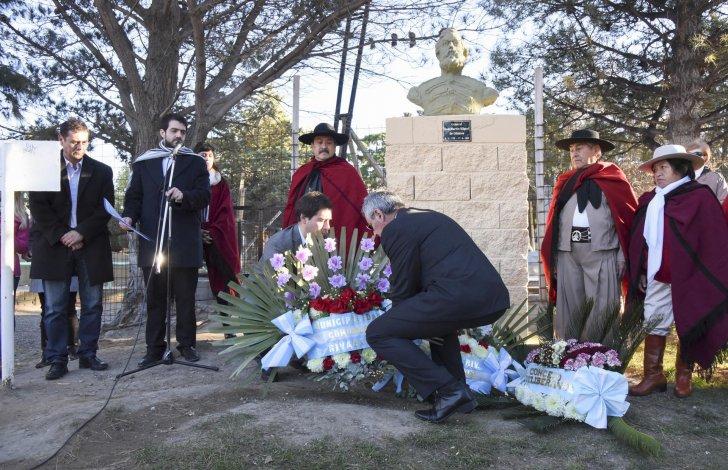 Con ritmo y acento norteño, en Comodoro se homenajeó a Martín Miguel de Güemes