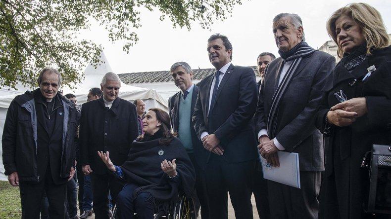 Funcionarios oficialistas y diregentes opositores participaron de un cónclave en la Casa de Tucumán.