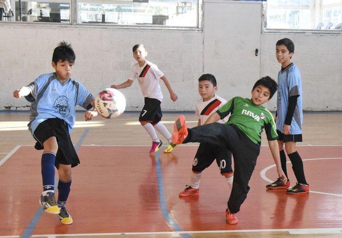 Los chicos disfrutaron a pleno del feriado para jugar por una nueva jornada de la Copa Alexis Cabrera.